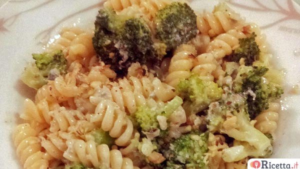 Fusilli broccoli e gorgonzola