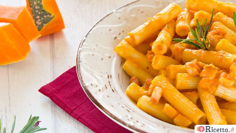 Ricetta pasta con zucca e salsiccia