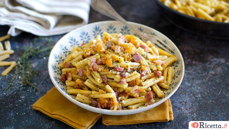 Ricetta pasta con speck e zucca