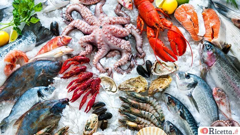 Pesce di stagione cosa comprare mese per mese for Comprare pesci
