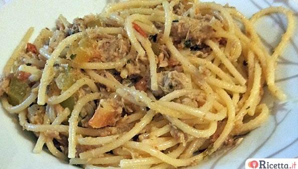 Ricetta spaghetti sgombro e tonno consigli e ingredienti for Spaghetti ricette