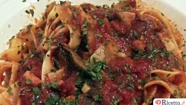 Ricetta pasta ai funghi e pancetta