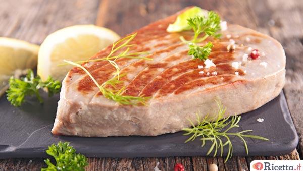 Ricetta tonno fresco saltato in padella consigli e ingredienti - Cucinare tonno fresco in padella ...